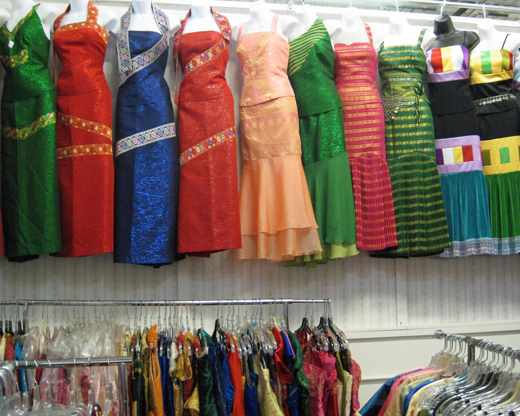 A hmong village in minnesota travel snapshots for Laos wedding dress for sale