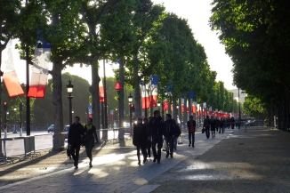 Champs-Elysees-Paris-LOW